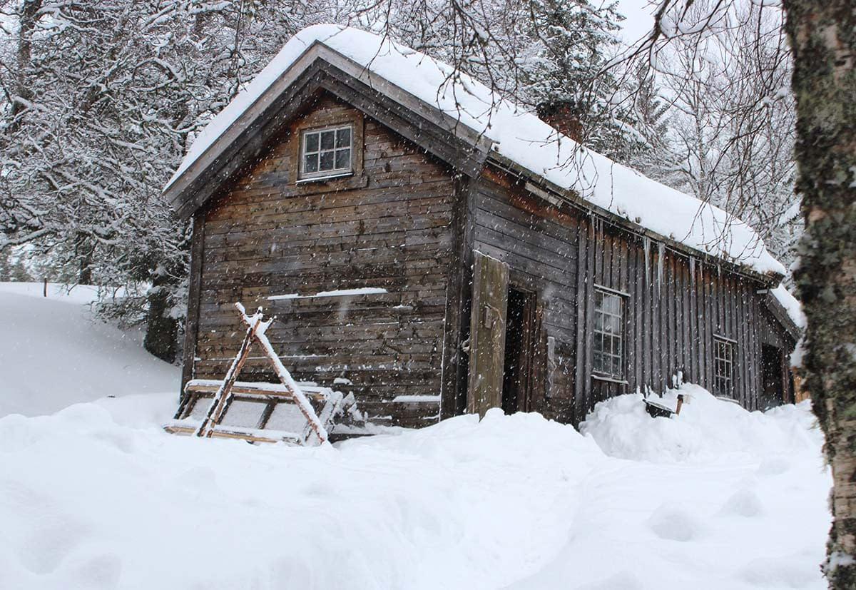 Seter i vinterlandskap