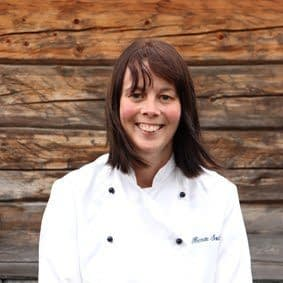 Renate Sæther er kokk og kjøkkenleder på Fosen Folkehøgskole